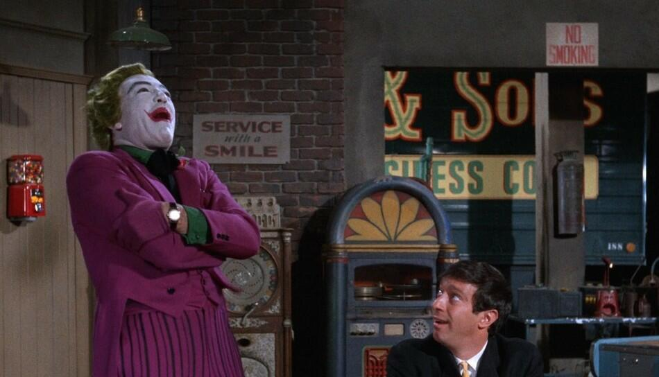 batman bild 6 von 45. Black Bedroom Furniture Sets. Home Design Ideas