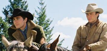 Bild zu:  Jake Gyllenhaal und Heath Ledger in Brokeback Mountain
