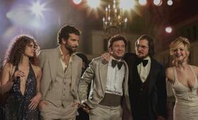 American Hustle mit Jennifer Lawrence, Bradley Cooper, Jeremy Renner und Amy Adams - Bild 10