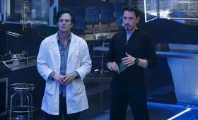 Marvel's The Avengers 2: Age of Ultron mit Robert Downey Jr. und Mark Ruffalo - Bild 11