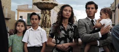 Peppino (Franceso Scianna), Mannina (Margareth Madè) und ihre drei Kinder.