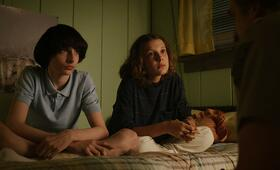 Stranger Things - Staffel 3 mit Millie Bobby Brown und Finn Wolfhard - Bild 12