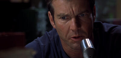 Dennis Quaid in Frequency