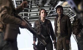 Rogue One: A Star Wars Story mit Felicity Jones und Diego Luna - Bild 85