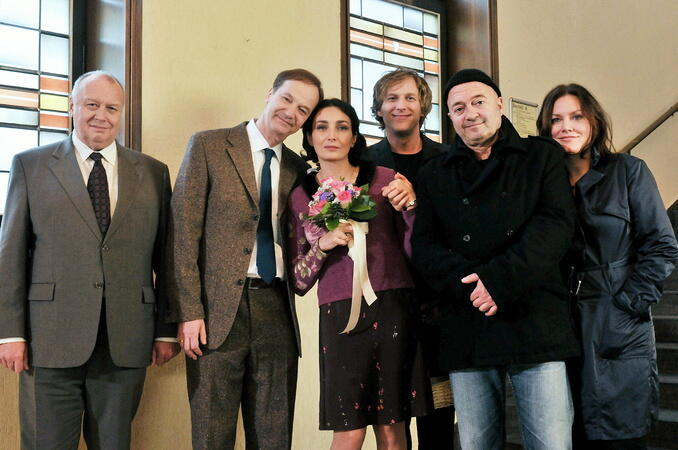 Ein Starkes Team Eine Tote Zu Viel Besetzung Schauspieler Crew Moviepilot De