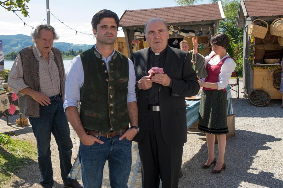 Tonio & Julia: Zwei sind noch kein Paar mit Maximilian Grill und Klaus Pohl