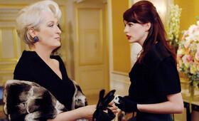 Anne Hathaway in Der Teufel trägt Prada - Bild 87