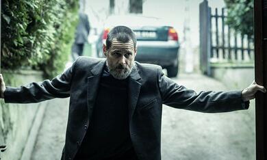 Dark Crimes mit Jim Carrey - Bild 2