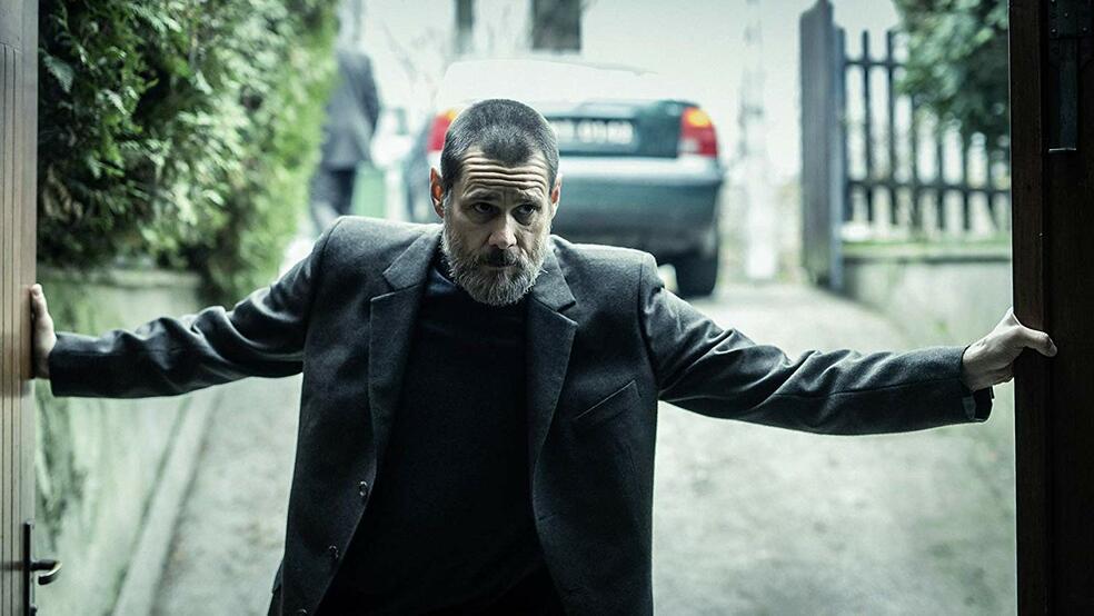 Dark Crimes mit Jim Carrey
