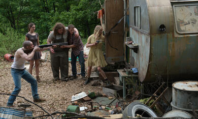 Leatherface mit Jessica Madsen, Vanessa Grasse, James Bloor, Sam Strike und Sam Coleman - Bild 9