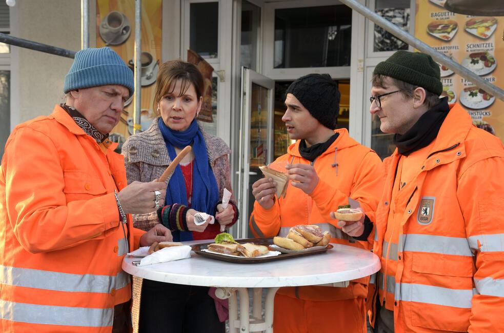 Die Drei von der Müllabfuhr - Dörte muss weg mit Uwe Ochsenknecht, Daniel Rodic, Adelheid Kleineidam, Jörn Hentschel und Rainer Strecker