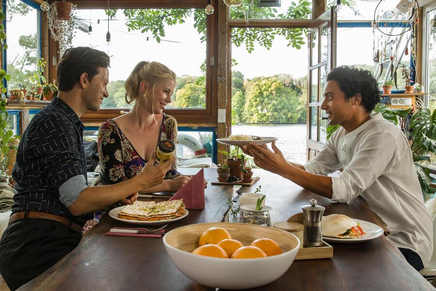 Matze, Kebab und Sauerkraut mit Franz Dinda, Omar El-Saeidi und Christine Eixenberger