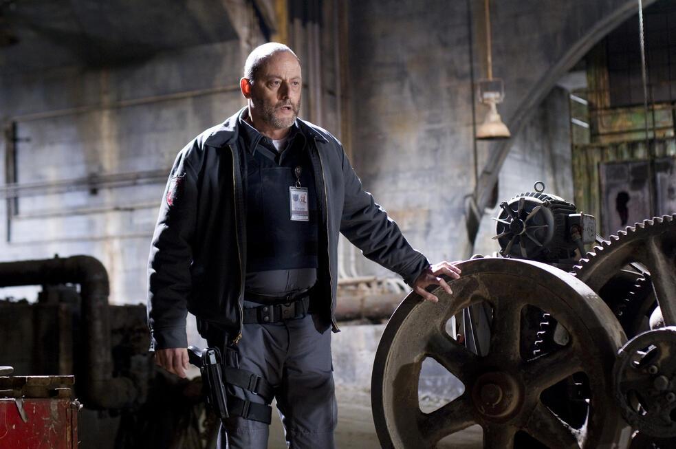 Armored mit Jean Reno