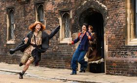 Die Misswahl - Der Beginn einer Revolution mit Jessie Buckley, Lily Newmark und Ruby Bentall - Bild 10