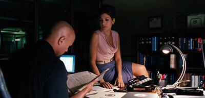 Eva Mendes mit Dwayne Johnson in Fast & Furious Five