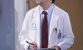 Ken Jeong in Dr. Ken - Bild 15