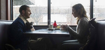 Tom Hardy und Noomi Rapace in The Drop