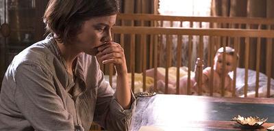 The Walking Dead: Maggie mit Waisenkind Gracie