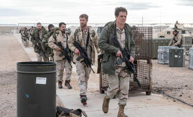 Operation: 12 Strong mit Chris Hemsworth, Michael Shannon, Michael Peña, Trevante Rhodes und Geoff Stults - Bild 2