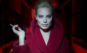 Terminal mit Margot Robbie - Bild 27
