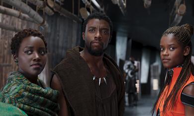 Black Panther mit Lupita Nyong'o, Chadwick Boseman und Letitia Wright - Bild 8