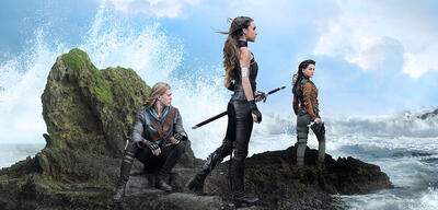 Ivana Baquero, Austin Butler und Poppy Drayton in The Shannara Chronicles