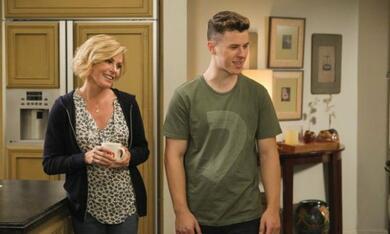 Modern Family - Staffel 11 - Bild 8