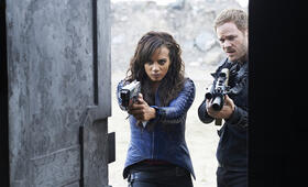 Aaron Ashmore in Killjoys - Bild 19