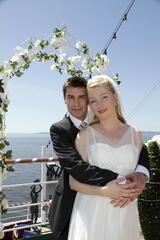 Kreuzfahrt ins Glück: Hochzeitsreise nach Jersey - Poster