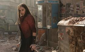 Marvel's The Avengers 2: Age of Ultron mit Elizabeth Olsen - Bild 8