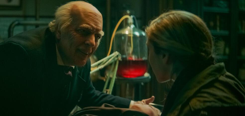 The Mortuary - Jeder Tod hat eine Geschichte mit Clancy Brown