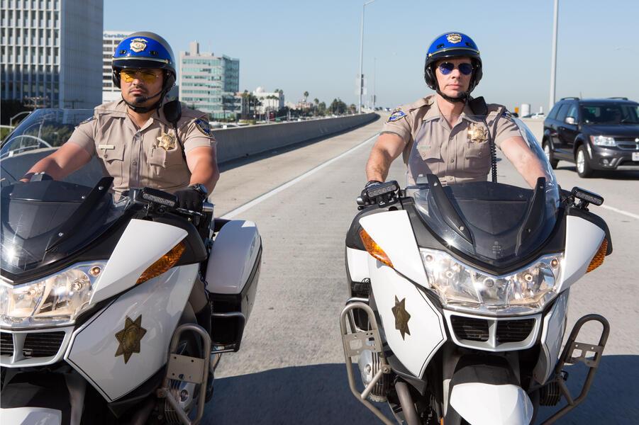 CHiPs mit Michael Peña und Dax Shepard