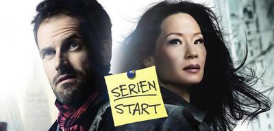 Jonny Lee Miller und Lucy Liu in Elementary, Staffel 5