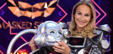 Caroline Beil als Roboter in The Masked Singer
