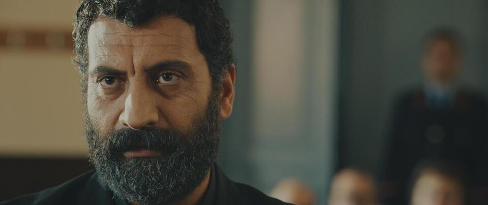 İki Gözüm Ahmet mit Ozgur Tuzer