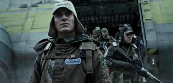 Bild zu:  Alien: Covenant mitMichael Fassbender