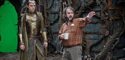 Peter Jackson am Set von Der Hobbit