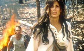 Fire on the Amazon mit Sandra Bullock - Bild 1