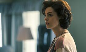 Vergiftete Wahrheit mit Anne Hathaway - Bild 14