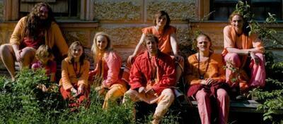 Oliver Korittke und der Rest der Jünger aus Orange