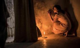 Voice from the Stone - Ruf aus dem Jenseits mit Emilia Clarke - Bild 150