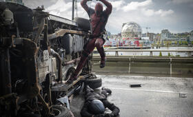 Deadpool mit Ryan Reynolds - Bild 5