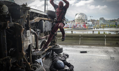 Deadpool mit Ryan Reynolds - Bild 10