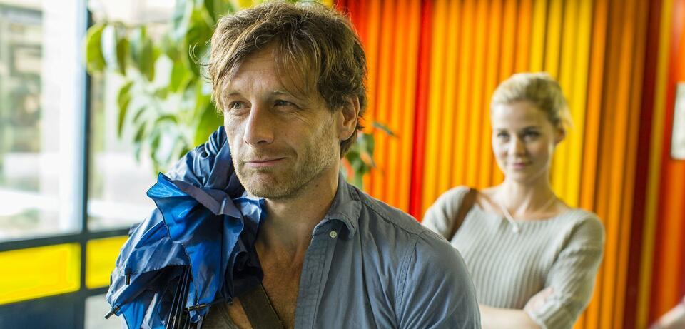 Hendrik Duryn und Jessica Ginkel in Der Lehrer.