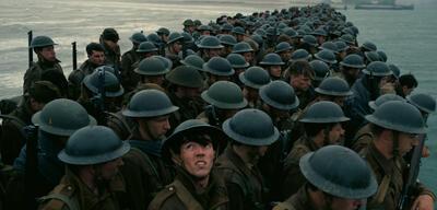 Soldaten in Dunkirk warten