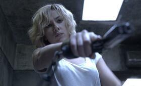 Lucy mit Scarlett Johansson - Bild 176
