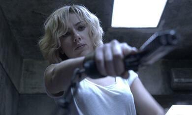 Lucy mit Scarlett Johansson - Bild 8