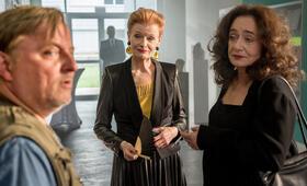 Tatort: Gott ist auch nur ein Mensch mit Axel Prahl und Gertie Honeck - Bild 4