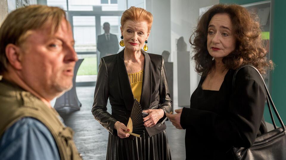 Tatort: Gott ist auch nur ein Mensch mit Axel Prahl und Gertie Honeck