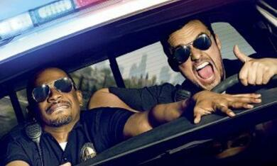 Let's be Cops - Die Party Bullen - Bild 3